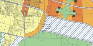 ייעוד חלקות 14, 17-19 לבנייה נמוכה (צמודי קרקע) וחלקות 3, 13 לבנייה בינונית (3-5 קומות) לפי נספח תבנית הבנייה המצורף לתכנית המתאר של העיר חד/2020 שאושרה בוועדה המחוזית. להגדלה - לחץ על התמונה